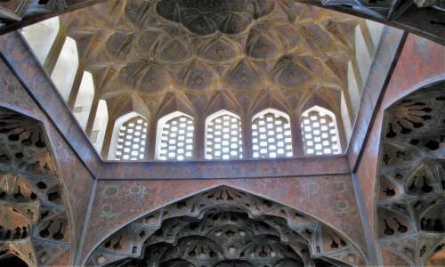 Zdjęcie IRAN / Isfahan / Pałac Ali Qapu / Imponujaca sala muzyczna w pałacu Ali Qapu