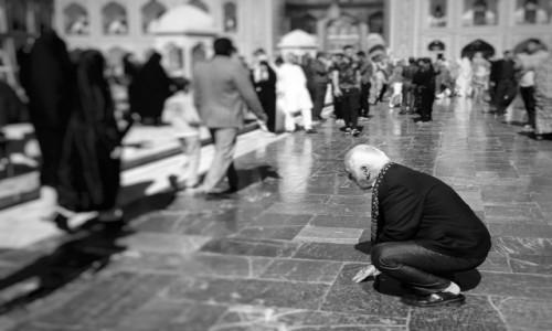 Zdjecie IRAN / Meszhed / Meszhed / Modlitwa