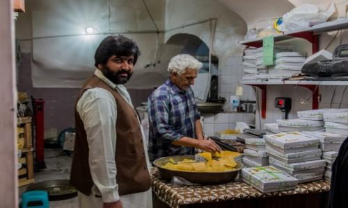 Zdjecie IRAN / Isfahan / Kaszan / Cukier szafranowy
