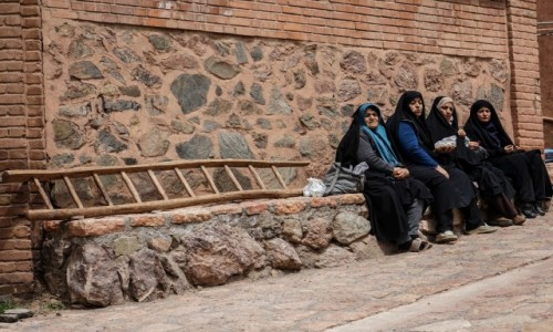 Zdjęcie IRAN / płn. Iran / Abyaneh / Czekajac...