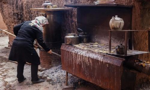 Zdjęcie IRAN / płn. Iran / Abyaneh / Uliczna kawiarnia....