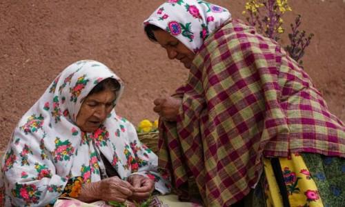 Zdjęcie IRAN / płn. Iran / Abyaneh / Wymiana doświadczeń...
