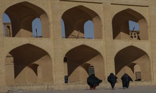 Zdjecie IRAN / Yazd / Yazd / Trzy Gracje przy bagirach