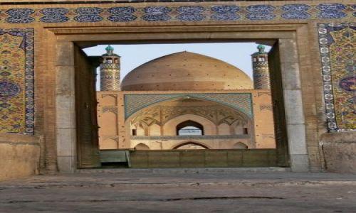 IRAN / Obrzeża pustyni Dasht-e Kavir / Kashan - Meczet Agha Bozorg / Zapraszamy na modły
