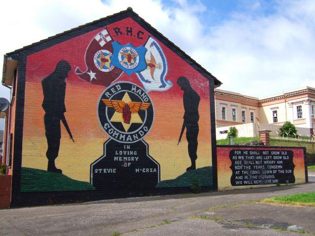 Zdj�cia: BELFAST, IRLANDIA POLNOCNA, ULSTER, MURAL Z DZIELNICY SHANKILL, IRLANDIA