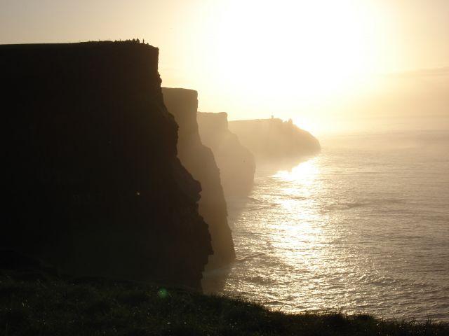 Zdjęcia: CLIFFS OF MOHER, KLIFY W SŁOŃCU, IRLANDIA
