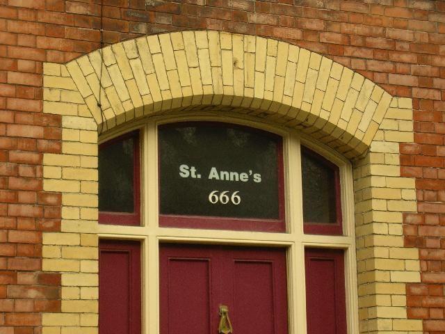 Zdjęcia: 666 st. Anne street, Dublin :-), Dublin, Dzien dobry, czy zastalem Lucyfera?, IRLANDIA