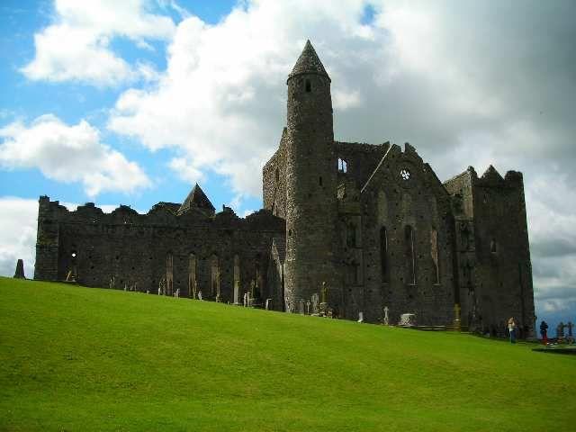 Zdjęcia: Cashel, Hrabstwo Tipperary, Rock of Cashel, IRLANDIA