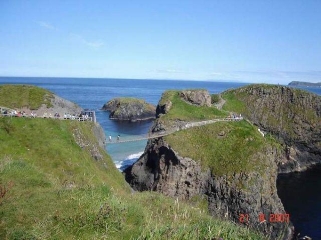 Zdj�cia: Carrick-a-rede, Irlandia Pln, wiszacy mostek(carrick-a-rede), IRLANDIA