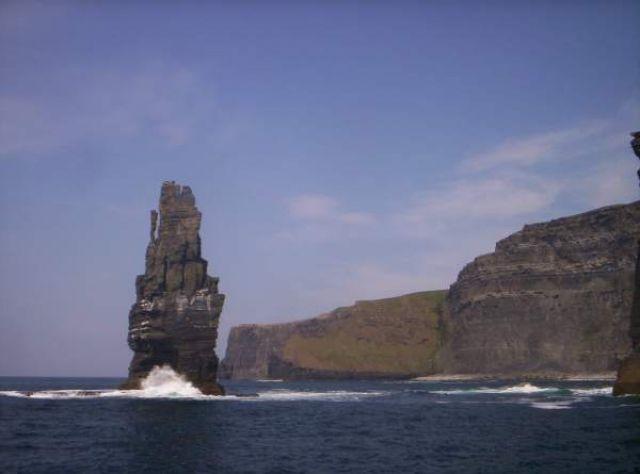 Zdjęcia: Cliffs of Moher, Niesamowite jak ten sam fragment skały wygląda za każdym razem inaczej pod innym kątem, IRLANDIA
