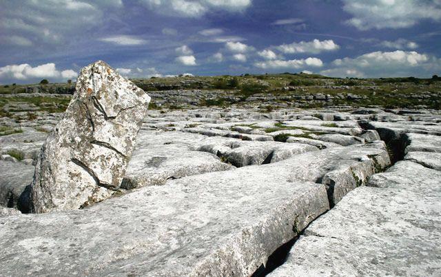Zdjęcia: płaskowyż Burren, hrabstwo Clare, Skałki, IRLANDIA