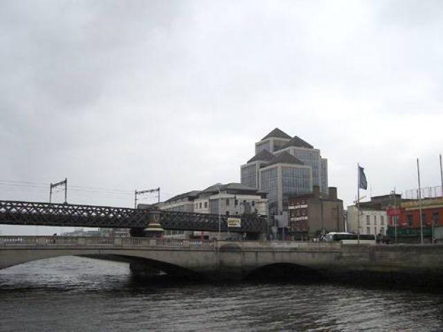 Zdjęcia: Dublin, Most na rzece Liffey, IRLANDIA