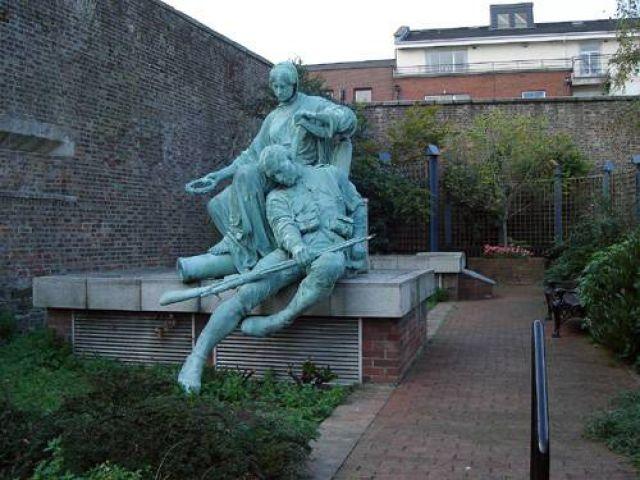 Zdjęcia: Dublin, Rzeźba na terenie Zamek Dublińskiego, IRLANDIA