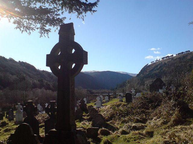Zdjęcia: Glendalough, Góry Wicklow, Krzyż celtycki, IRLANDIA