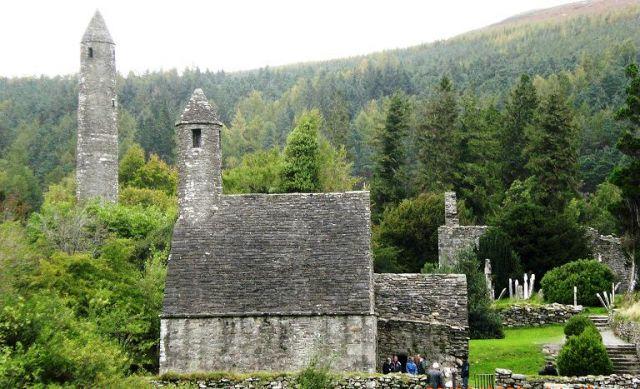 Zdjęcia: Glendalough, Co Wicklow, Kościółek św.Kevina, IRLANDIA