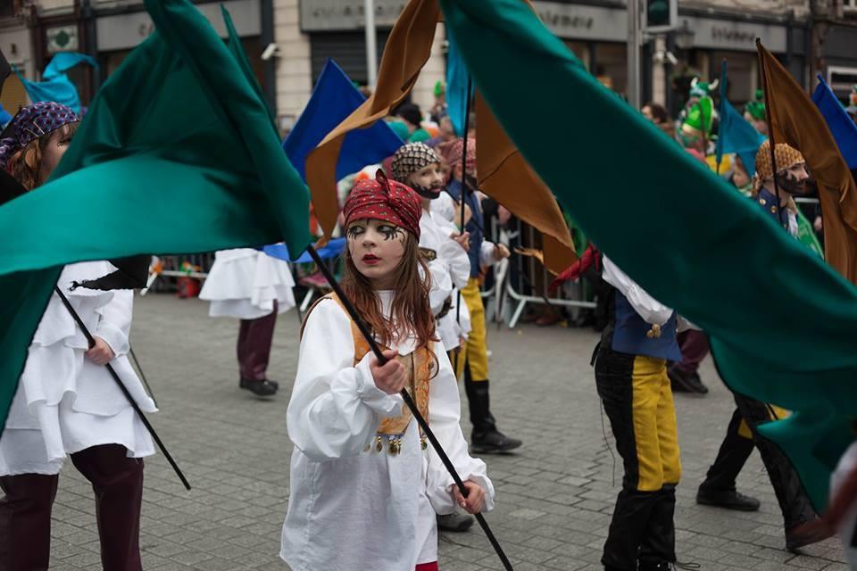 """Zdjęcia: O""""Connel st., Dublin, Parada 17 marca z okazji dnia św. Patryka , IRLANDIA"""