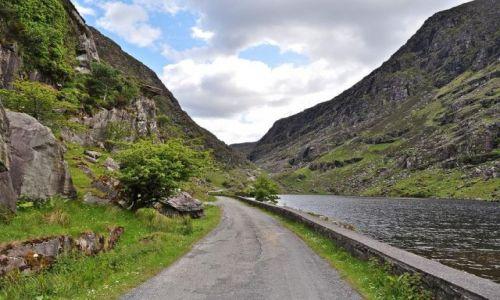 Zdjęcie IRLANDIA / Hrabstwo Kerry / Ring of Kerry / Droga w górach