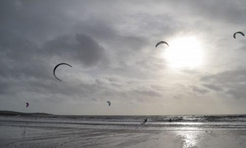 IRLANDIA / County Cork / Garretstown  / Kitesurfing