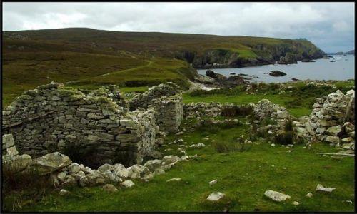 Zdjecie IRLANDIA / co. Donegal / Port Ville / opuszczona wieś