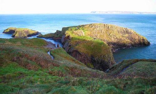 Zdjecie IRLANDIA / Hrabstwo Antrim / Carrick-a-Rede / Wyspy Carrick-a-Rede