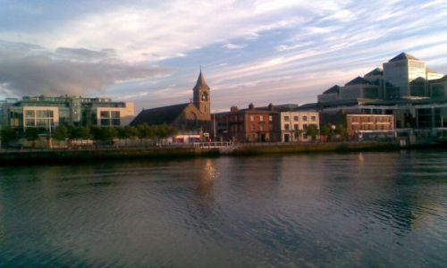 Zdjecie IRLANDIA / Dublin / Liffey / Liffey