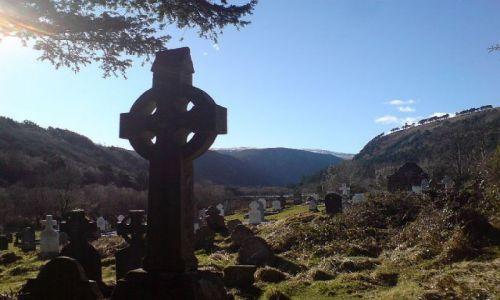 Zdjecie IRLANDIA / Góry Wicklow / Glendalough / Krzyż celtycki