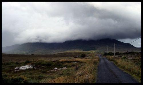 Zdjecie IRLANDIA / Connacht / Okolice Galway / zachmurzona