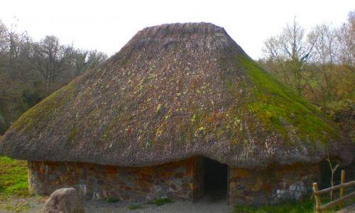 Zdjecie IRLANDIA / Wexford / St.Anne\\\'s ParkIrish National Heritage Park - Skansen znajdujacy sie tuz przy Wexford  / Chatka
