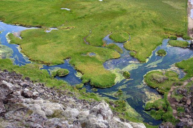 Zdjęcia: Landmanalaugar, Interior, gorąca rzeka widziana z góry, ISLANDIA