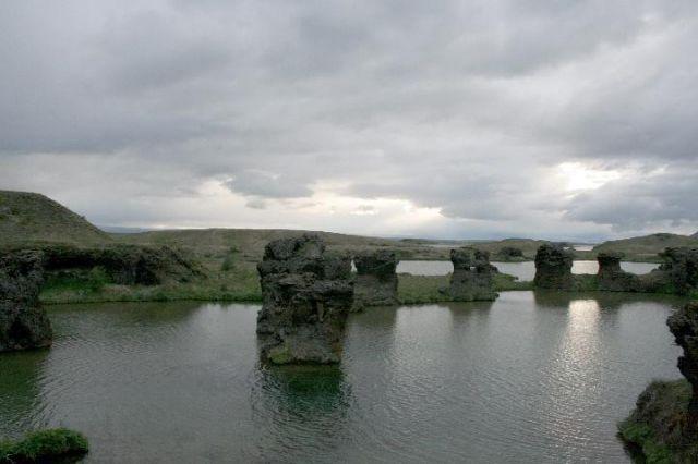 Zdjęcia: Myvatn /Jezioro muszek/, Północna Islandia, ostańce, ISLANDIA