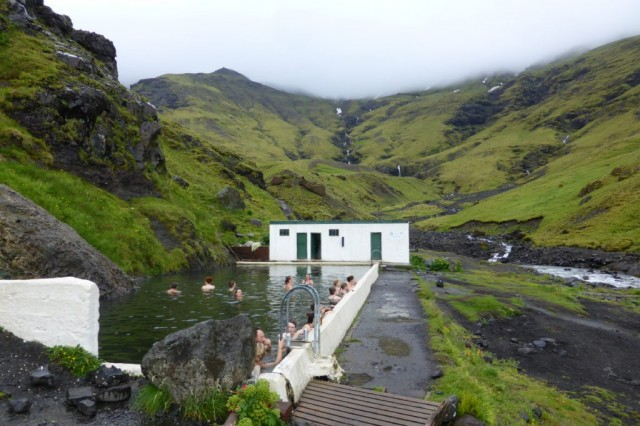 Zdjęcia: Islandia, Islandia, Najstarszy basen Seljavallalaug, ISLANDIA