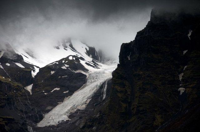 Zdj�cia: Svinafell, Jezor lodowca w gorach, ISLANDIA