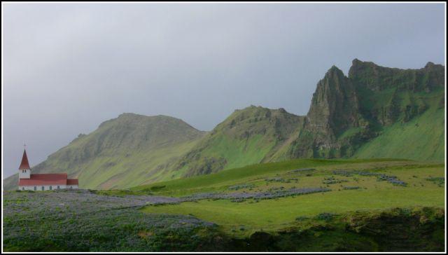 Zdjęcia: Kolo miejscowosci Vik, Islandia poludiowa, Samotny kosciol, ISLANDIA
