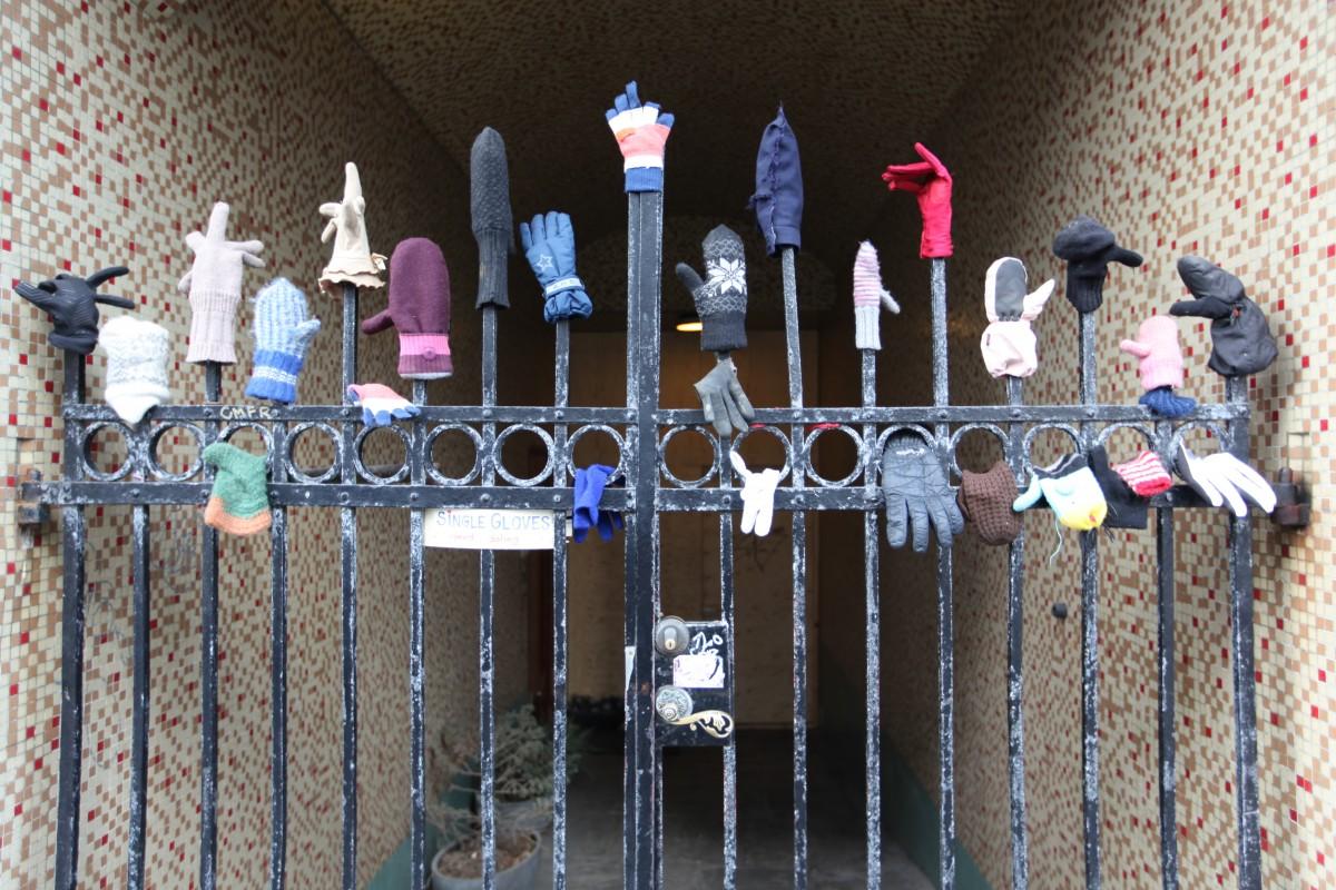 Zdjęcia: Downtown, Rezkjavik, Brama zgubionych rękawiczek, ISLANDIA