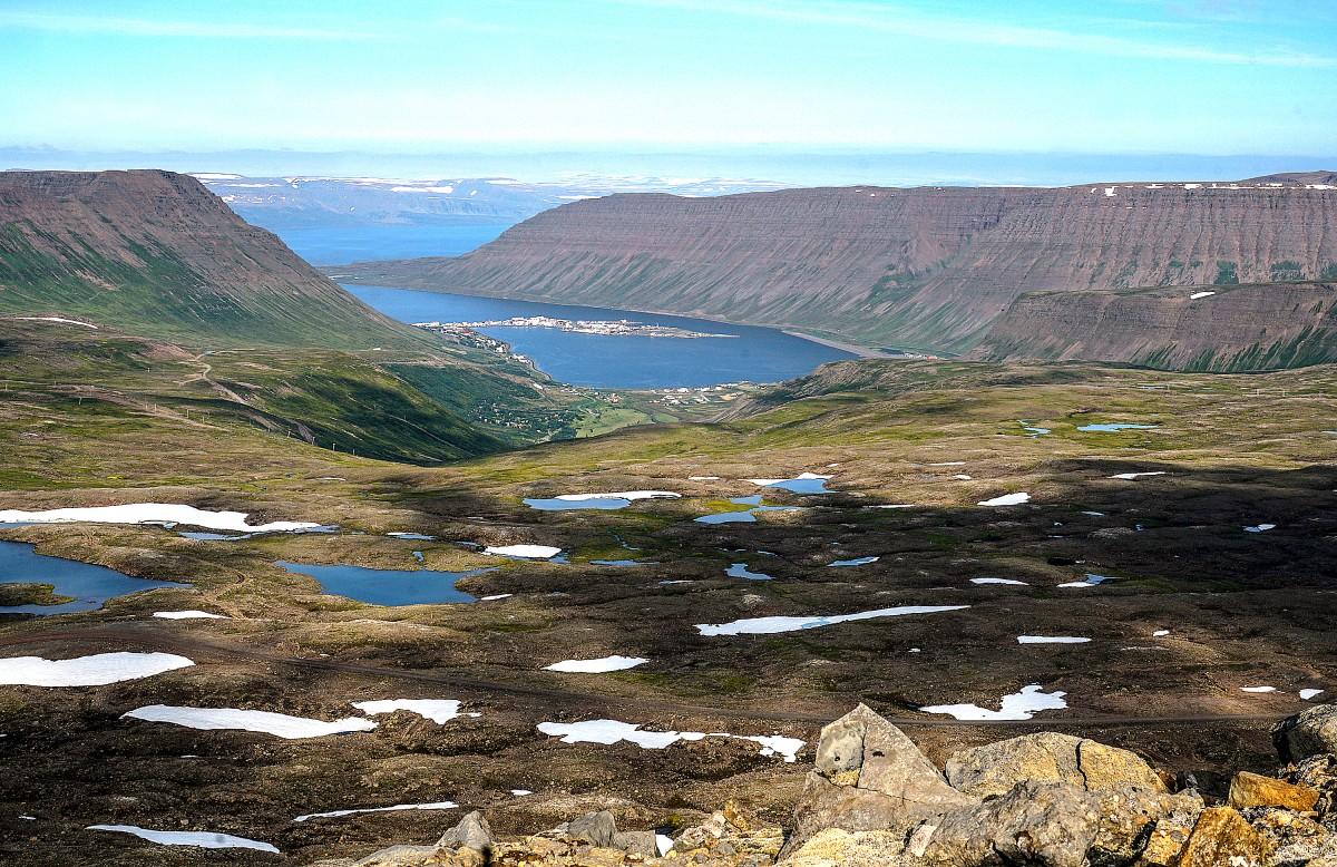 Zdjęcia: nocleg nad Isafjordur, Fjordy Zachodnie, Isafjordur z góry, ISLANDIA