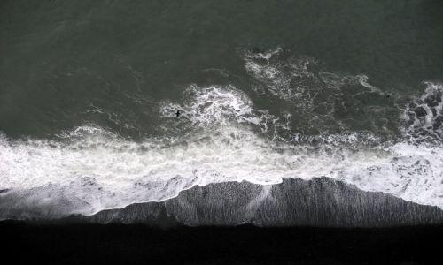 Zdjecie ISLANDIA / poludnie / VIK / po prostu..czarna plaża widziana z klifu :)