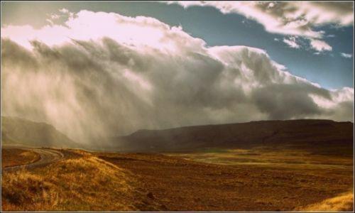 Zdjecie ISLANDIA / , / , / Czasem słonce, czasem deszcz