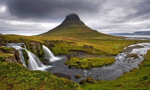 Zdjecie ISLANDIA / Zachodnia Islandia / Półwysep Snaefellsnes / Kirkjufell i Kirkjufellsfoss