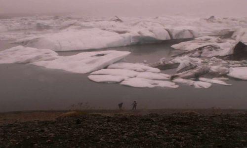 Zdjecie ISLANDIA / poludniowo-wschodnia islandia / jezioro przy lodowcu vatnajokull / jokulsarlon ice