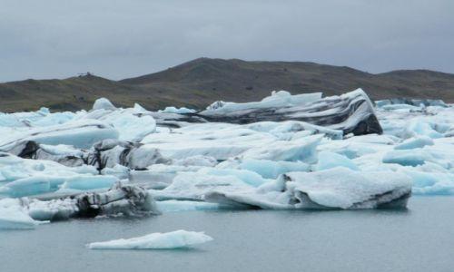 Zdjecie ISLANDIA / Południowa Islandia / Jokulsarlon / Odłamki lodowca swobodnie dryfujące po oceanie