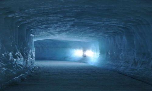 Zdjecie ISLANDIA / Interior / Langjokull / W jaskini lodow