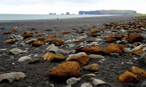 Zdjęcie ISLANDIA / południowa Islandia / okolice Vik /  plaża Reynisfjara