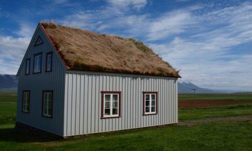 Zdjecie ISLANDIA / Północna Islandia / Glaumbar / islandzki domek