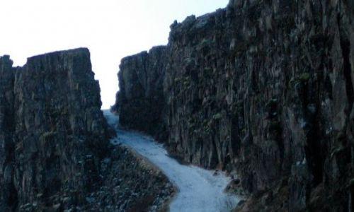 Zdjecie ISLANDIA / Park Narodowy Thingvellir / Thingvellir / tam gdzie się łaczy Ameryka z Europą...