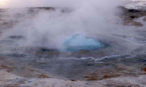 Zdjecie ISLANDIA / brak / gejzer Strokkur / pora na ciepły prysznic