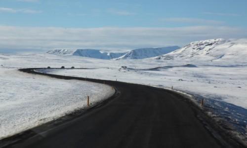 Zdjecie ISLANDIA / Reykjavik / Do wodospadu / Droga