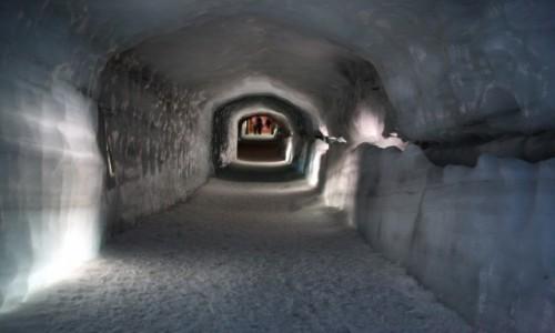Zdjęcie ISLANDIA / Reykjavik / Park Narodowy Skaftafel / Tunel w lodowcu Langjokull