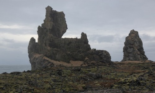 Zdjęcie ISLANDIA / Półwysep Snæfellsnes / Malarrif / Lóndrangar, bazaltowy zamek