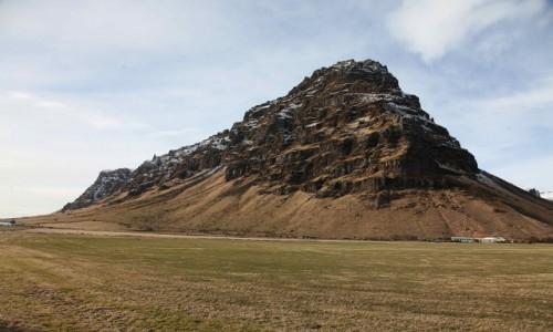 ISLANDIA / Okolice wulkanu Eyjafjallajökull / Thorvaldseyri  / Pod wulkanem