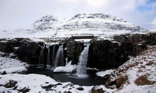 Zdjecie ISLANDIA / Półwysep Snæfellsnes / Grundarfjordur / Wodospad Kirkjufellsfoss